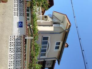 Villa Yana Guest Rooms
