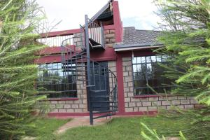 Laviniah Farm House