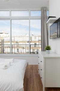 3 Herzel beach apartment