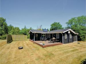 Three Bedroom Holiday Home in Fur