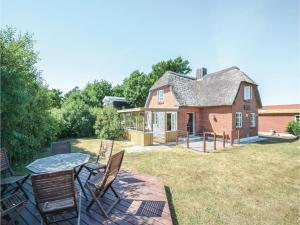 Four Bedroom Holiday Home in Struer