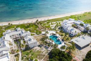 Turks & Caicos Oceanside