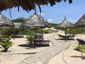 Mambrui Golden Beach Bar & Cottages