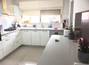 A Picture of Kosher Apartment in Binyamina ! vacances parfaites