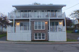 Dolans Gold House
