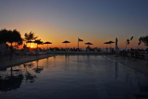 Acampamento / quartos Santorini (Fira)