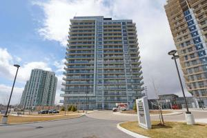 Furnished 2 Bedroom Condo Across From A Mall!!