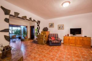 Apartamentos Villa María, Apartmány  Los Llanos de Aridane - big - 67
