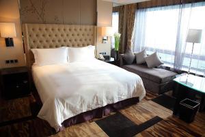 Shanghai Hongqiao Airport Hotel - Air China, Отели  Шанхай - big - 27