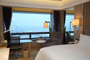 Shanghai Hongqiao Airport Hotel - Air China, Отели  Шанхай - big - 3