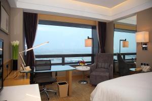 Shanghai Hongqiao Airport Hotel - Air China, Отели  Шанхай - big - 23