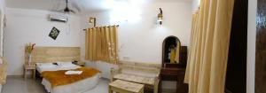 Deccan Tiger Hill Resort