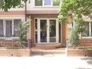 Guest House Gorkogo, Penzióny  Simferopol - big - 17