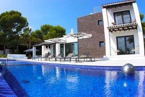 Cala Bassa Villa Sleeps 12 Pool Air Con
