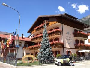 Auronzo di cadore hotels accommodation hotels in for Meuble barancio