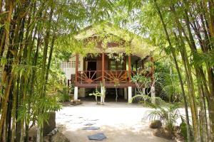 Lovely & Cozy Hideaway Beach House