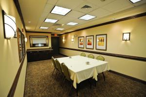 Country Inn & Suites by Radisson, Concord (Kannapolis), NC, Hotels  Concord - big - 17