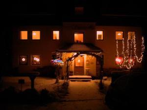 Ferienwohnungen Seerose direkt am See, Apartmány  Millstatt - big - 2