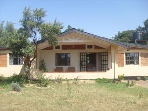 Garden Cottage Facing Mt. Kenya Near Nanyuki