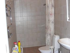 Hagestad 47, Apartments  Löderup - big - 35