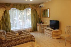 Guest House Gorkogo, Penzióny  Simferopol - big - 1