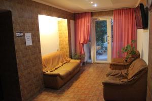 Guest House Gorkogo, Penzióny  Simferopol - big - 28