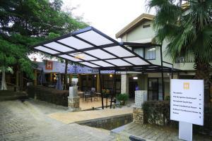 Кигали - Iwawe Hotel