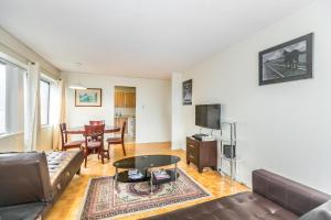 Торонто - Toronto Furnished Living-Gerard