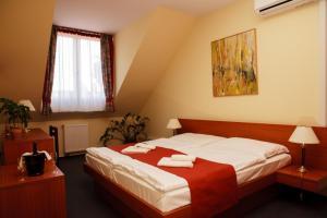 Lipa Hotel és Étterem