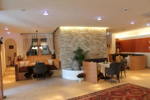 Gasthof zum goldenen Löwen, Penziony – hostince  Nauders - big - 17