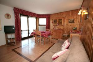 Nearby hotel : Apartments Salin
