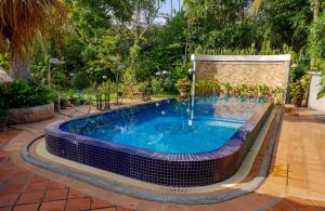 Swimming pool Bloom Garden Guesthouse