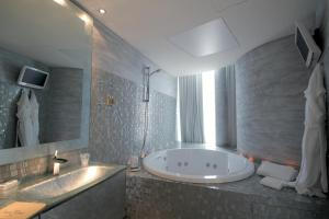 Hotel Waldorf- Premier Resort, Hotely  Milano Marittima - big - 39