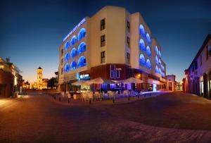 Livadhiotis City Hotel