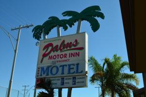 (Rockhampton Palms Motor Inn)