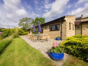 Sladen Lodge
