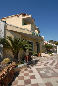Prenota Hotel Terme President