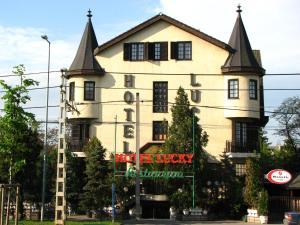 Lucky(Budapest)