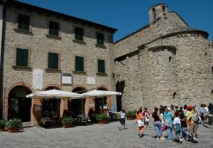 Nearby hotel : Albergo Castello