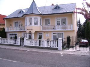 Kis Apartmanház
