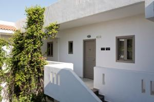 Marinos Beach Hotel-Apartments, Residence  Platanes - big - 42