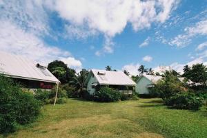 Аитутаки - Gina's Garden Lodges