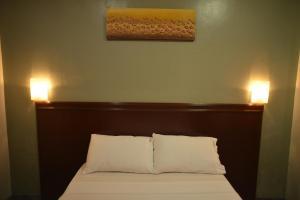 Hotel Carmen at NVC, Hotels  Kalibo - big - 40