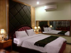 Deluxe Double Room - Bed Sweet Boutique Motel