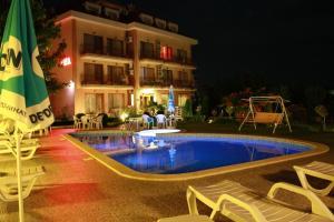 Family Hotel Vega, Отели  Святые Константин и Елена - big - 31