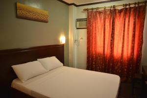 Hotel Carmen at NVC, Hotels  Kalibo - big - 32