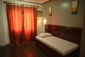 Hotel Carmen at NVC, Hotels  Kalibo - big - 17