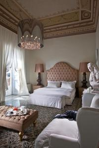 Nearby hotel : Seven Rooms Villadorata