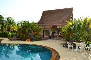 Yuwadee Resort, Курортные отели  Чалонг - big - 26