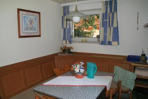 Haus Seiwald, Apartmanok  Niederau - big - 60